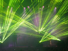 Jak działa laser? Czy laser może oślepić człowieka?